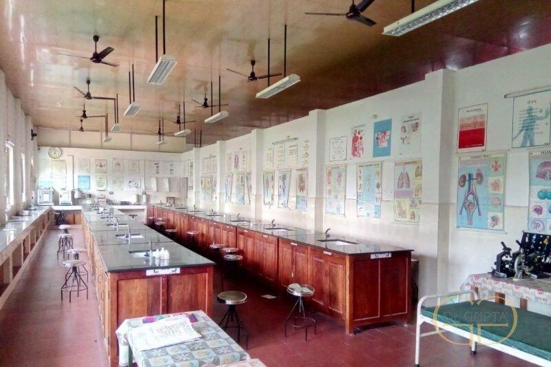 ayur-ashram-dr-gupta-03